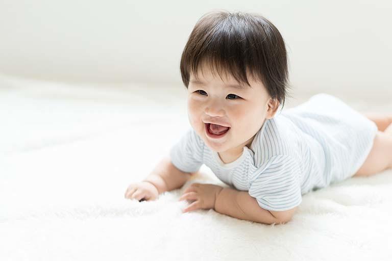 【コラム】赤ちゃんの笑わせ方について